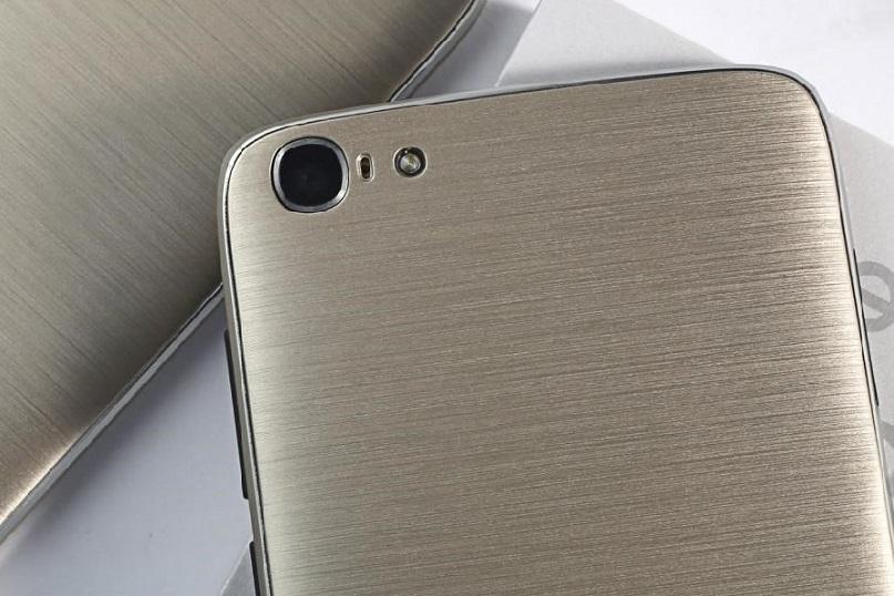 Doogee Y200 dengan Warna Emas dan Android 6: Harga Turun sd